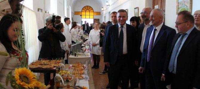 Як у Луцьку вітали працівників харчової галузі